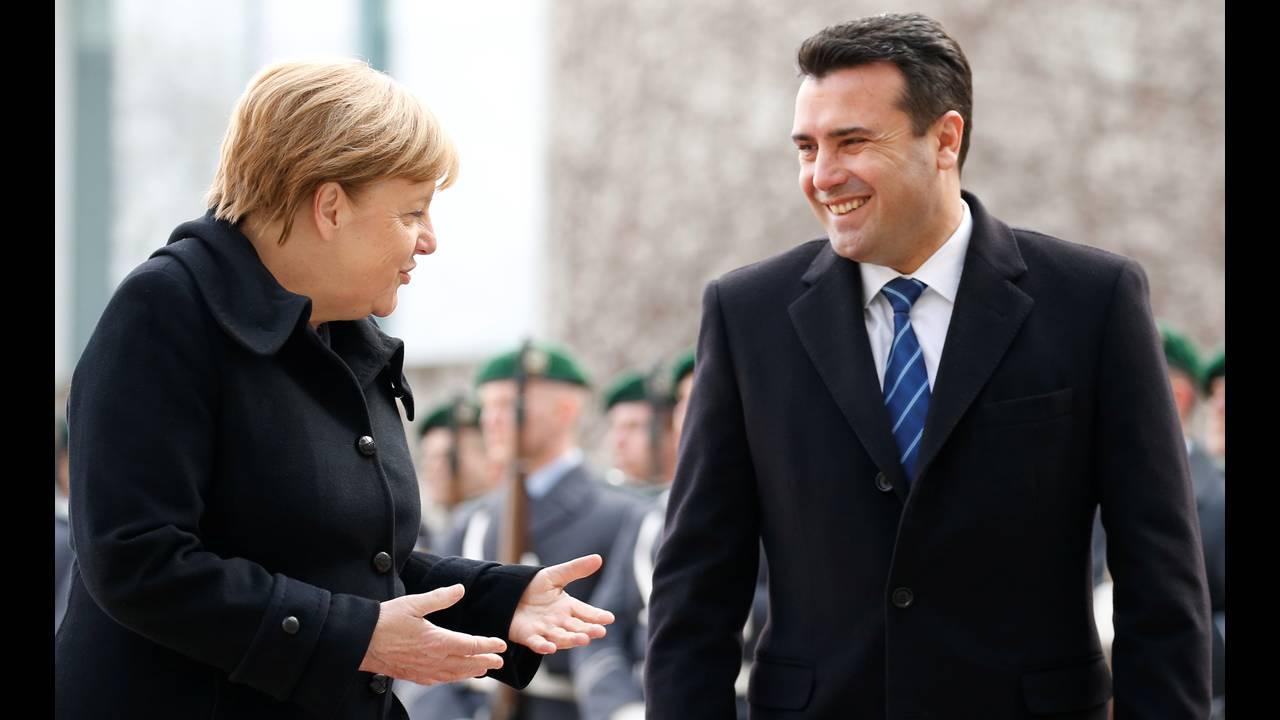 https://cdn.cnngreece.gr/media/news/2018/02/21/118600/photos/snapshot/2018-02-21T111630Z_2099078561_RC1CDED7D7C0_RTRMADP_3_GERMANY-MACEDONIA.JPG