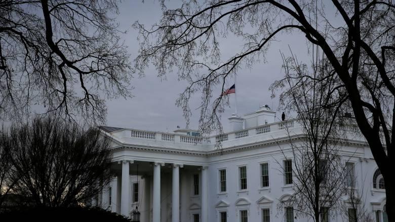 Συναγερμός στον Λευκό Οίκο λόγω «ύποπτου» οχήματος