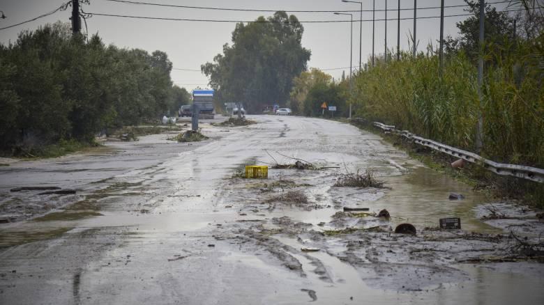 Πλημμύρες και προβλήματα από τις βροχές στη Λάρισα