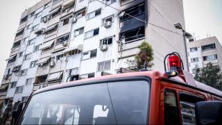 Μεγάλη φωτιά σε εργοστάσιο στη Μάνδρα Αττικής