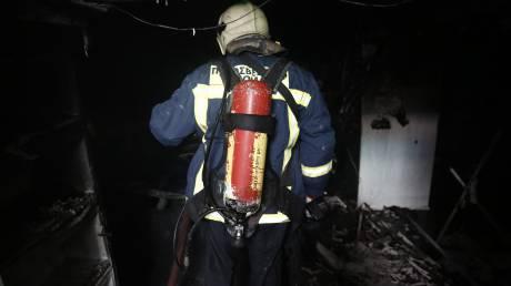 Πληροφορίες για έναν νεκρό από την πυρκαγιά σε εργοστάσιο της Μάνδρας