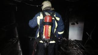 Ένας νεκρός μετά από πυρκαγιά σε εργοστάσιο στη Μάνδρα
