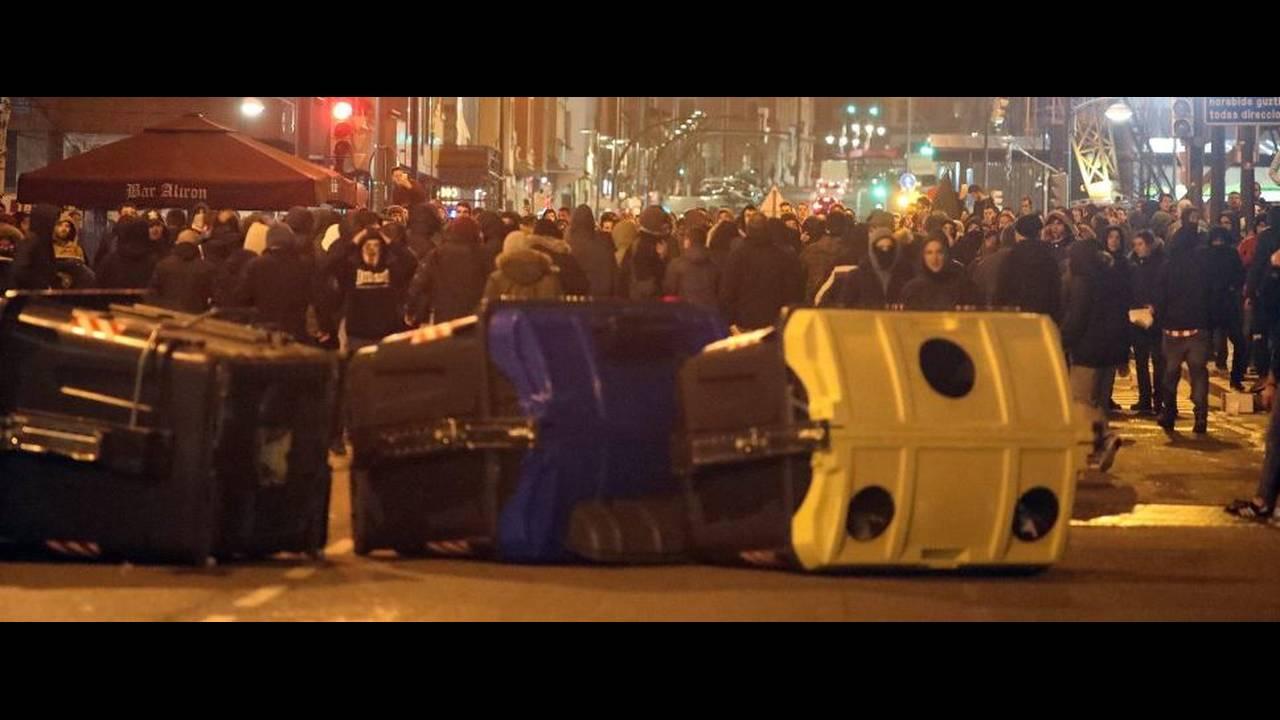 https://cdn.cnngreece.gr/media/news/2018/02/23/118906/photos/snapshot/Policia04.jpg