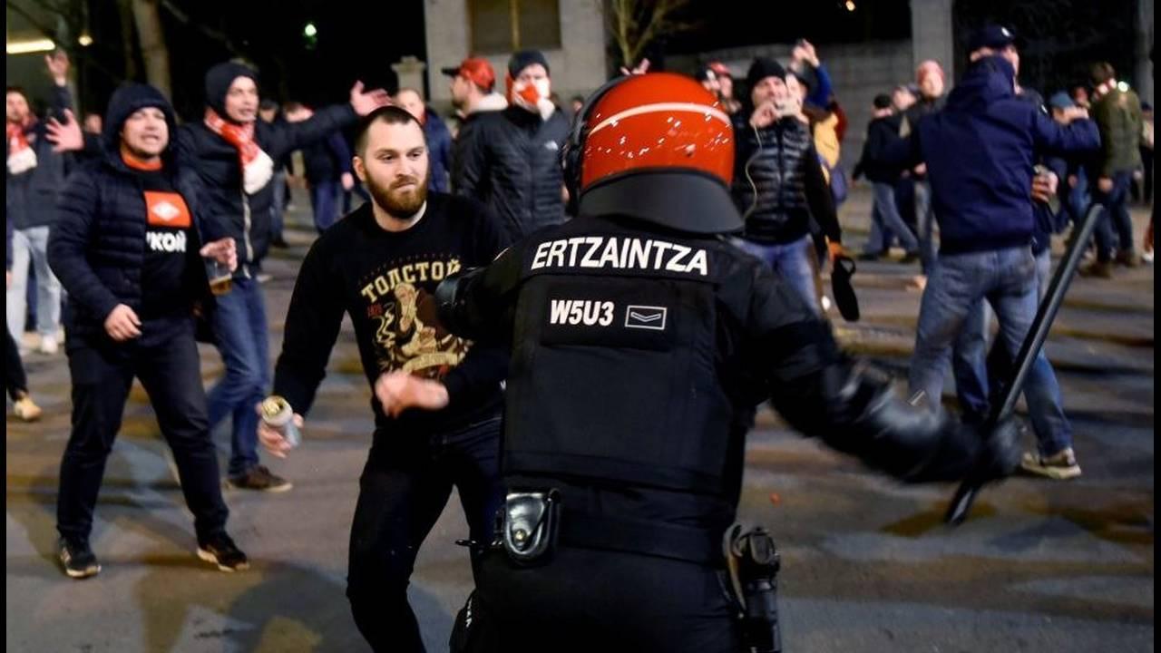 https://cdn.cnngreece.gr/media/news/2018/02/23/118906/photos/snapshot/Policia05.jpg