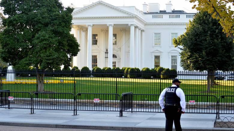 Αυτοκίνητο προσέκρουσε σε μπάρα ασφαλείας έξω από τον Λευκό Οίκο