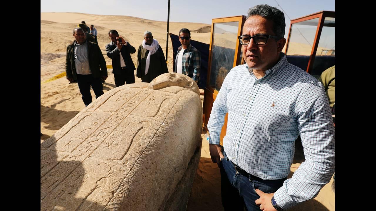 https://cdn.cnngreece.gr/media/news/2018/02/24/119117/photos/snapshot/2018-02-24T181117Z_886757839_RC1DBD839110_RTRMADP_3_EGYPT-ARCHAEOLOGY.JPG