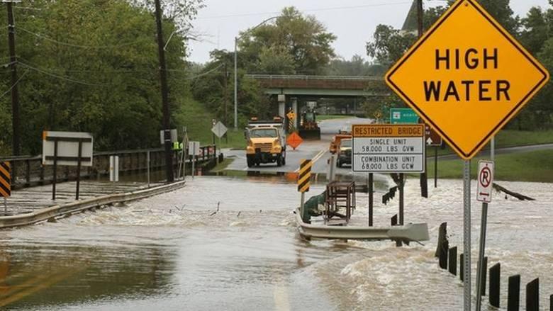 Σφοδρές καταιγίδες και ανεμοστρόβιλοι σαρώνουν τις μεσοδυτικές πολιτείες των ΗΠΑ