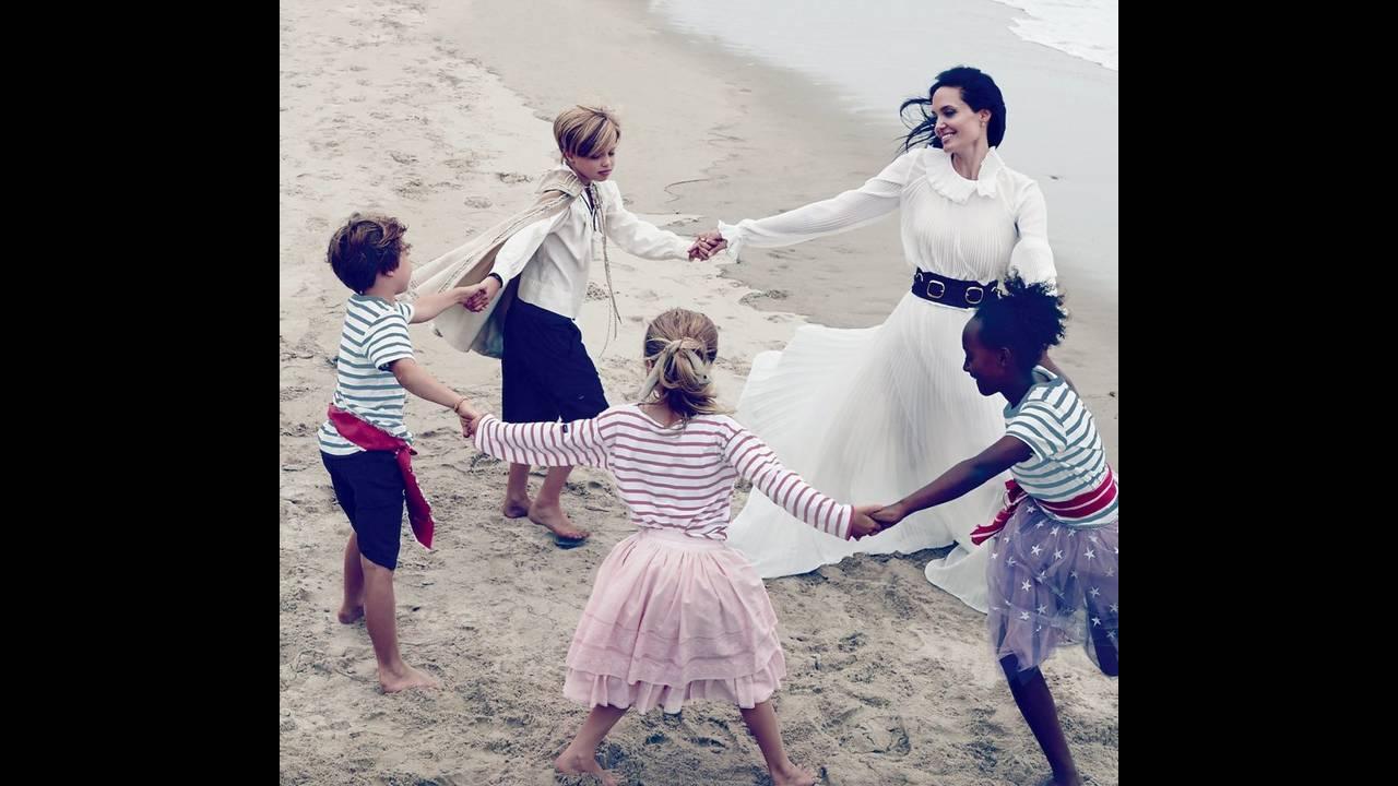 https://cdn.cnngreece.gr/media/news/2018/02/26/119271/photos/snapshot/Angeline-Jolie-for-Vogue.com-BellaNaija-October-2015004.jpg