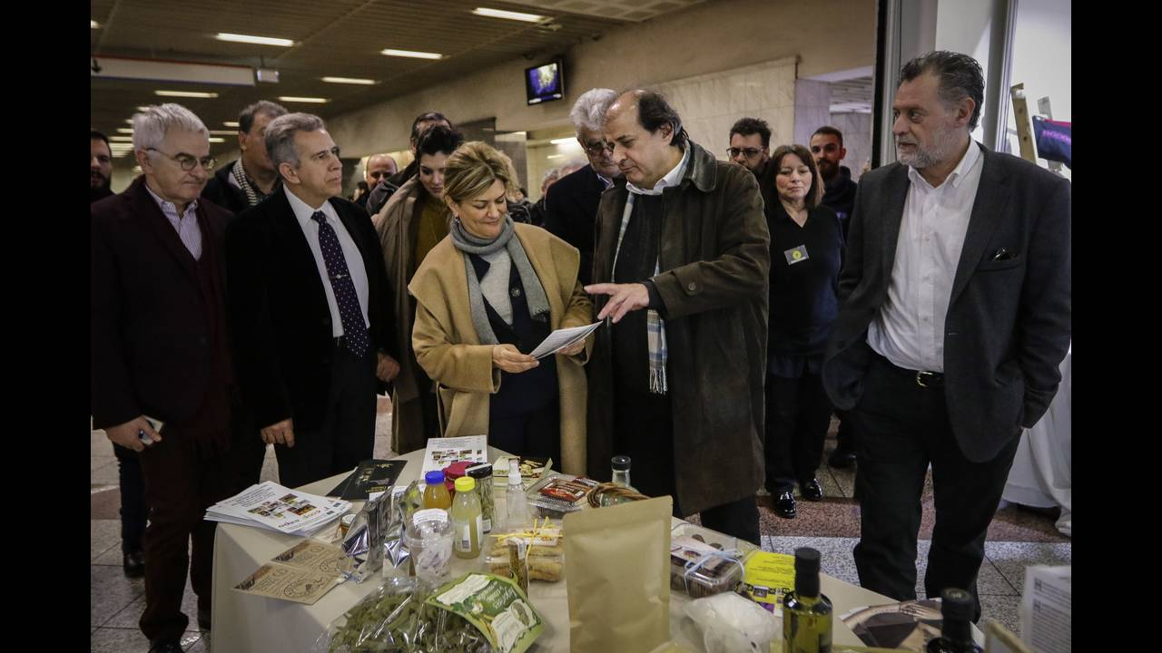 https://cdn.cnngreece.gr/media/news/2018/02/26/119307/photos/snapshot/17.jpg