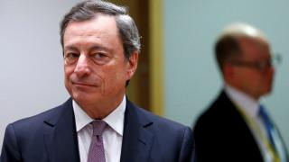 Ντράγκι: Αναρμόδια η ΕΚΤ για το εάν η Ελλάδα χρειάζεται νέο πρόγραμμα