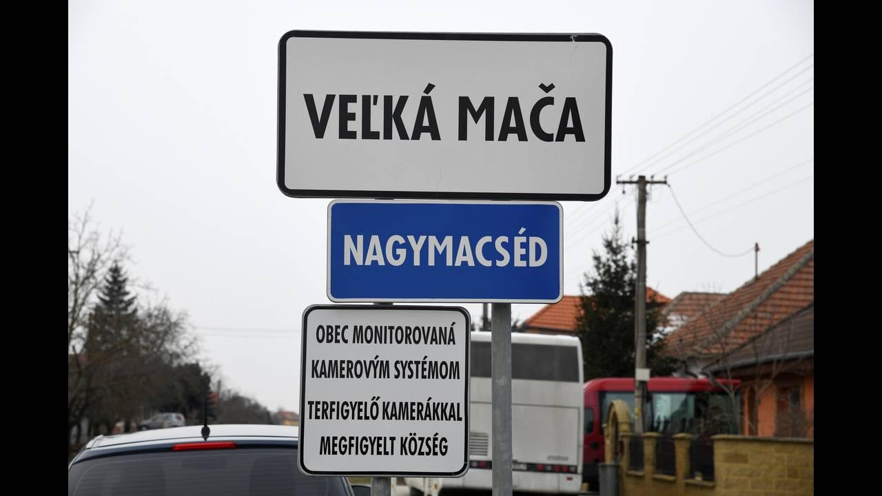 https://cdn.cnngreece.gr/media/news/2018/02/28/119577/photos/snapshot/2018-02-27T120713Z_1493923393_RC148ECF02E0_RTRMADP_3_SLOVAKIA-CRIME.JPG