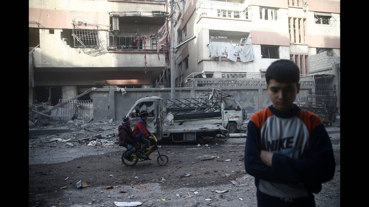 https://cdn.cnngreece.gr/media/news/2018/02/28/119653/photos/snapshot/2018-02-09T185344Z_1596210543_RC192ABDCFC0_RTRMADP_3_MIDEAST-CRISIS-SYRIA.JPG