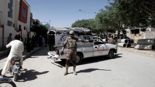 Τέσσερις στρατιώτες και δύο αστυνομικοί σκοτώθηκαν σε επιθέσεις στο Πακιστάν