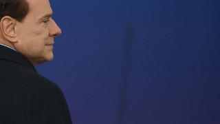 81 και συνεχίζει: Ο Σίλβιο Μπερλουσκόνι αποδεικνύεται πολύ σκληρός για να «πεθάνει»