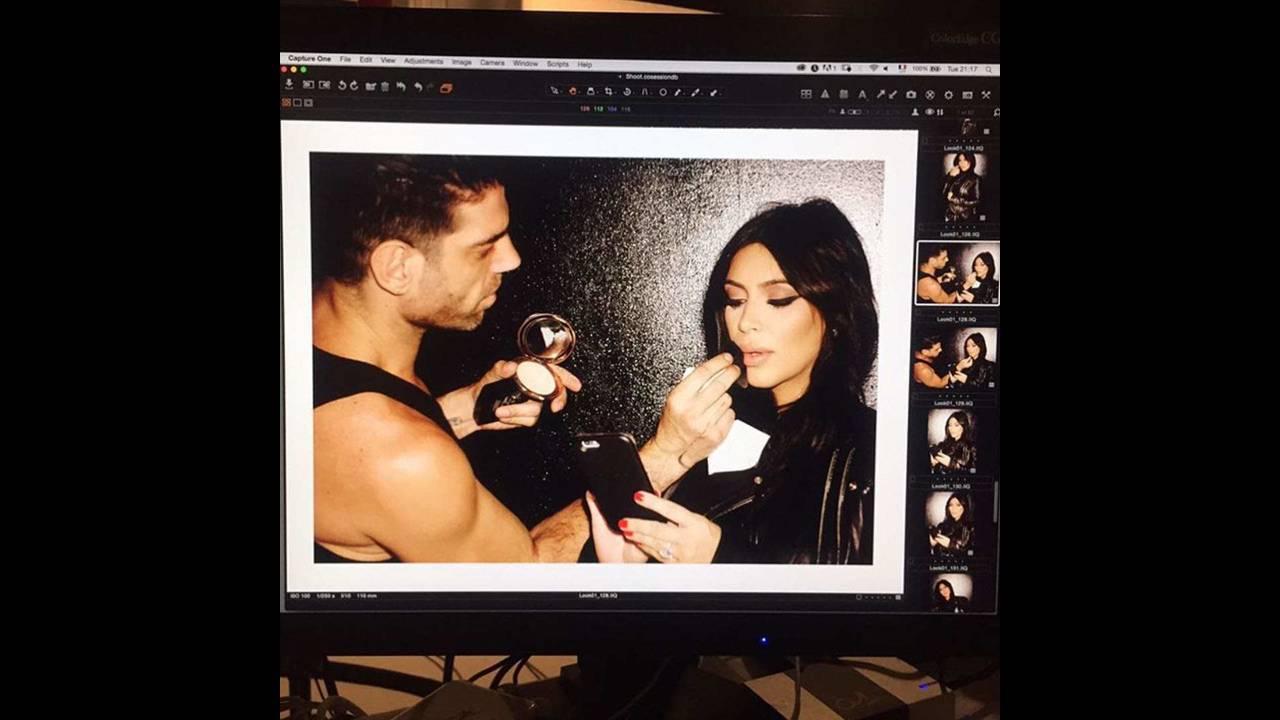 https://cdn.cnngreece.gr/media/news/2018/03/01/119734/photos/snapshot/Kim-Kardashian-Sorbet-Magazine-4-09282015.jpg