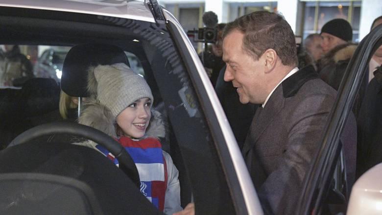 Τα δώρα του Μεντβέντεφ στους ολυμπιονίκες των Χειμερινών Ολυμπιακών Αγώνων