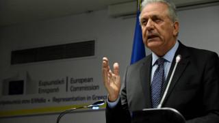 Συγχαρητήρια Αβραμόπουλου σε ΕΛ.ΑΣ. για την εξάρθρωση οργάνωσης παραποίησης ταξιδιωτικών εγγράφων