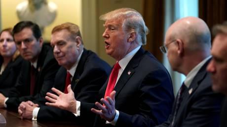 Αύξηση δασμών στις εισαγωγές χάλυβα και αλουμινίου ανακοίνωσε ο Τραμπ - Πτώση του Dow Jones