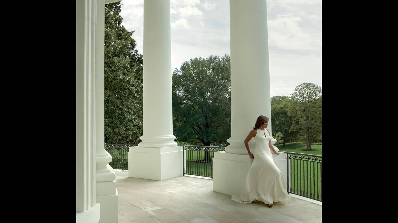 https://cdn.cnngreece.gr/media/news/2018/03/02/119893/photos/snapshot/Vogue-US-December-2016-Michelle-Obama-by-Annie-Leibovitz-03.jpg
