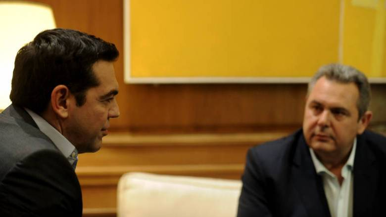 Ο πρωθυπουργός παρακολουθεί στενά τις εξελίξεις με τους Έλληνες στρατιωτικούς