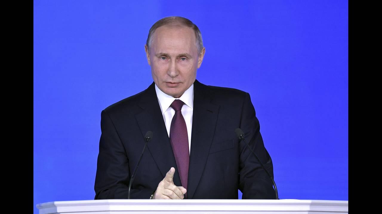 https://cdn.cnngreece.gr/media/news/2018/03/02/119960/photos/snapshot/2018-03-01T121145Z_1781576847_UP1EE310XVLRB_RTRMADP_3_RUSSIA-PUTIN.JPG
