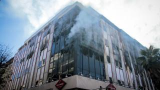 Φωτιά σε κτίριο της εφορίας στη Λάρισα - Καταστροφές στο αρχείο
