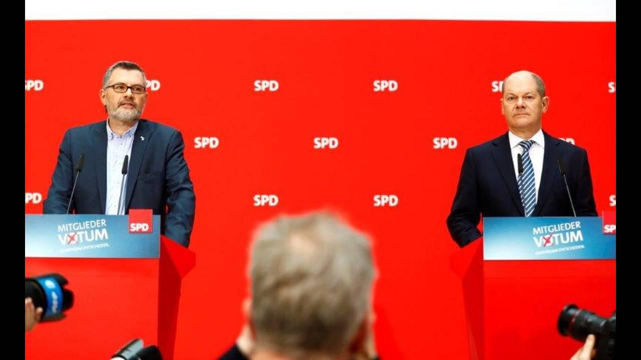 https://cdn.cnngreece.gr/media/news/2018/03/04/120146/photos/snapshot/2018-03-04T084150Z_1461074676_UP1EE340O5QQI_RTRMADP_3_GERMANY-POLITICS-SPD.jpg