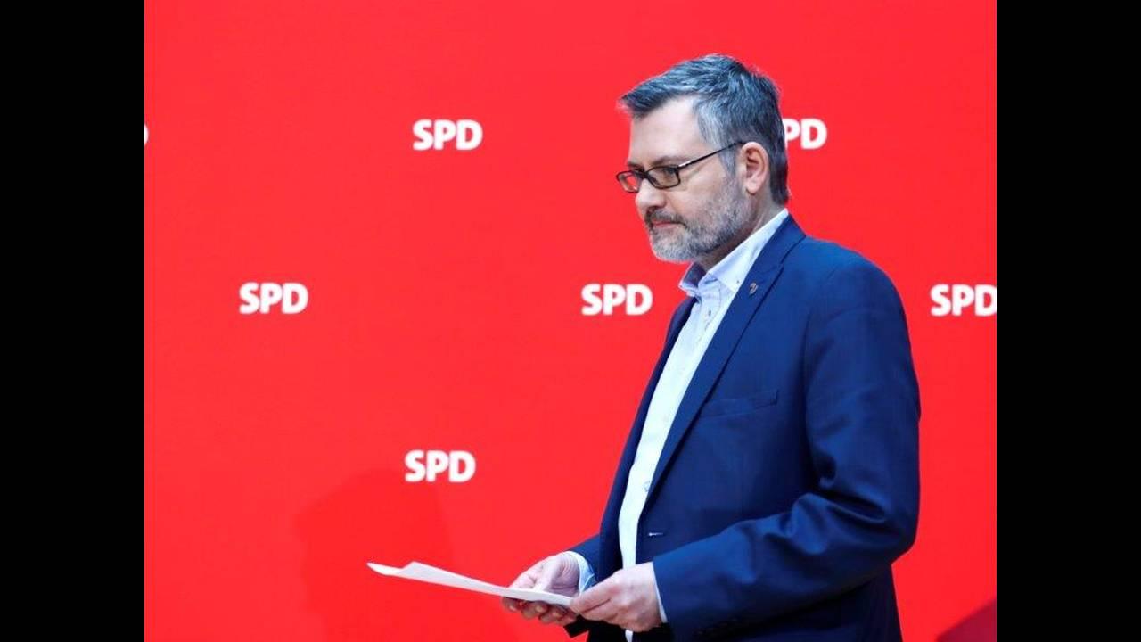 https://cdn.cnngreece.gr/media/news/2018/03/04/120146/photos/snapshot/2018-03-04T084512Z_1585000714_UP1EE340OBCQS_RTRMADP_3_GERMANY-POLITICS-SPD.jpg