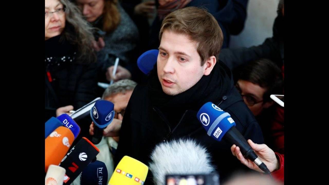 https://cdn.cnngreece.gr/media/news/2018/03/04/120146/photos/snapshot/2018-03-04T092839Z_595731384_UP1EE340QBRSO_RTRMADP_3_GERMANY-POLITICS-SPD.jpg