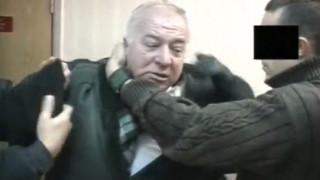 Βρετανία: Μυστήριο με τη δηλητηρίαση Ρώσου διπλού κατασκόπου