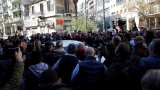 Ένταση στη συγκέντρωση διαμαρτυρίας των ιδιοκτητών ταξί