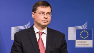 Ντομπρόβσκις: Χρειάζονται περαιτέρω διαρθρωτικές μεταρρυθμίσεις