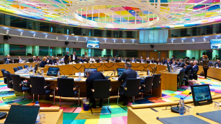 Αξιωματούχος Ευρωζώνης: Στόχος να κλείσει η αξιολόγηση τον Μάιο