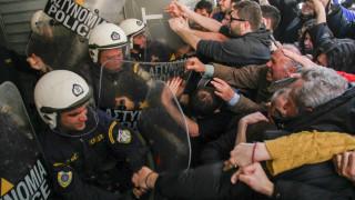 Μήνυση της Ένωσης Αστυνομικών Υπαλλήλων Θεσσαλονίκης για «απρόκλητη επίθεση διαδηλωτών»