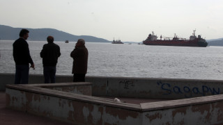 Ελευσίνα: Παρασύρθηκε πλοίο από τους θυελλώδεις ανέμους