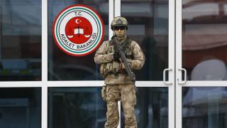 Τουρκικό δικαστήριο καταδίκασε 25 δημοσιογράφους για το αποτυχημένο πραξικόπημα