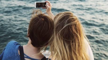 Οι selfie «μεγαλώνουν» τη μύτη σας