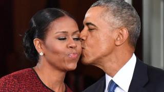 Ο πρώην πρόεδρος Μπαράκ Ομπάμα και η σύζυγός του στη μικρή οθόνη;