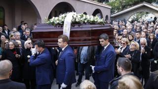 Σε κλίμα βαθιάς συγκίνησης κηδεύτηκε ο δημοσιογράφος Βασίλης Μουλόπουλος