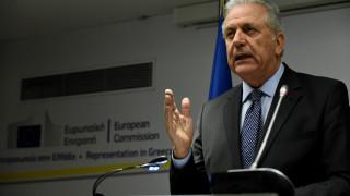 Αβραμόπουλος: Η Ευρώπη στέκεται ενωμένη απέναντι στην τρομοκρατία