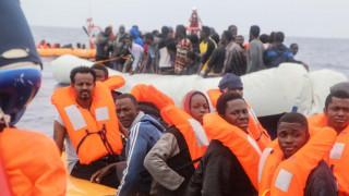 Δεκάδες μετανάστες εντοπίστηκαν ανοιχτά της Λιβύης