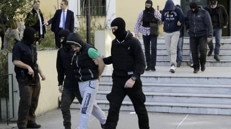 Προφυλακιστέοι οι τέσσερις από τους κατηγορούμενους για συμμετοχή στην ακροδεξιά Combat 18