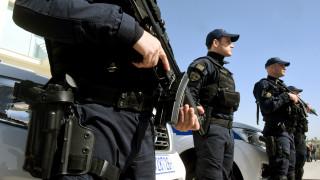 Δικογραφία σε βάρος 34χρονης αστυνομικού και δύο ιδιωτών