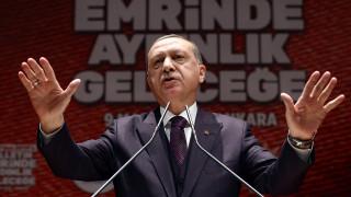 Νέα πρόκληση Ερντογάν: «Γλιτώσατε να γίνετε παστά ψάρια και πέσατε στη θάλασσα»