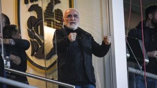 ΠΑΟΚ – ΑΕΚ: Διακοπή και εισβολή Σαββίδη στον αγωνιστικό χώρο