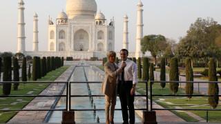 Ρομαντική απόδραση του Εμανουέλ και της Μπριζίτ Μακρόν στο Ταζ Μαχάλ
