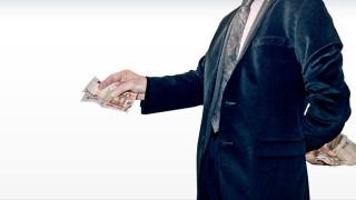 Λογιστές, σύμβουλοι και δικηγόροι επιστρατεύονται κατά της φοροδιαφυγής