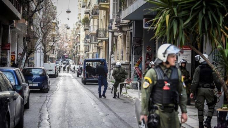 Αστυνομική επιχείρηση σε τρεις καταλήψεις σε Εξάρχεια και Κουκάκι