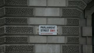 Λήξη συναγερμού στο βρετανικό κοινοβούλιο έπειτα από αναφορές για ύποπτο δέμα