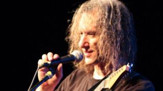 Ο κιθαρίστας Scott Henderson για δύο μοναδικές εμφανίσεις στην Αθήνα